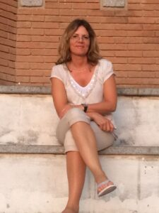Coach Stefanie Debelius